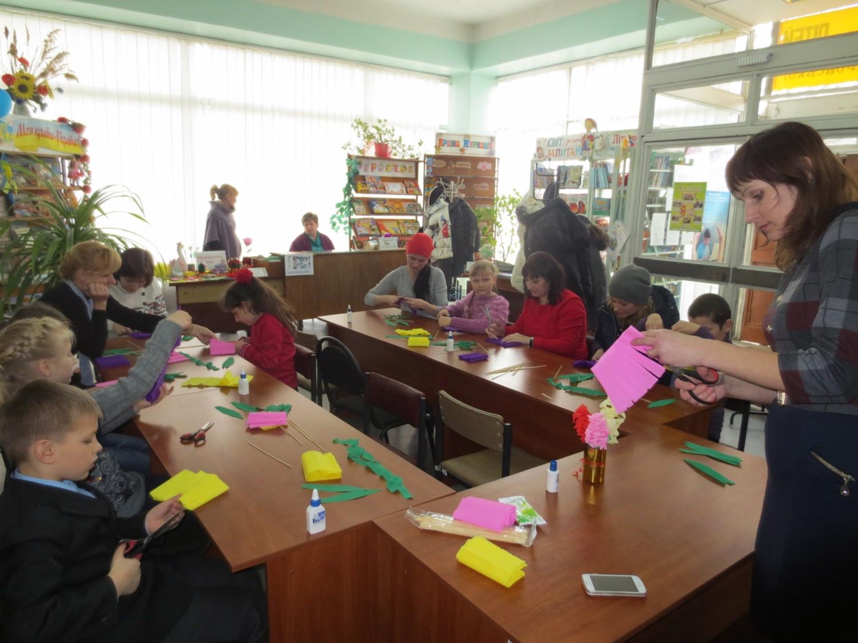 Як жінки у владі можуть впливати на прийняття важливих рішень, навчали місцевих жінок-депутаток у Бердянську